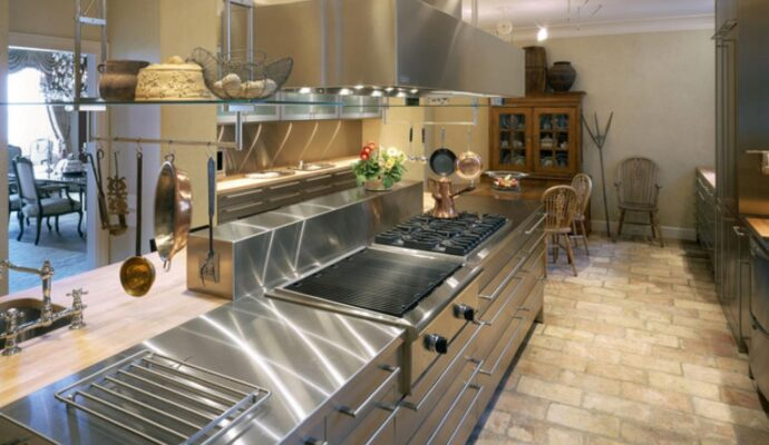 Commercial Kitchen Remodeling-Wellington Kitchen & Bath Home Remodeling Solutions-We do kitchen & bath remodeling, home renovations, custom lighting, custom cabinet installation, cabinet refacing and refinishing, outdoor kitchens, commercial kitchen, countertops, and more