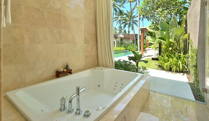 Jacuzzi and spa tubs-Wellington Kitchen & Bath Home Remodeling Solutions-We do kitchen & bath remodeling, home renovations, custom lighting, custom cabinet installation, cabinet refacing and refinishing, outdoor kitchens, commercial kitchen, countertops, and more