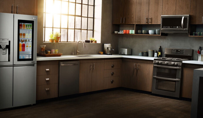 Kitchen Appliances-Wellington Kitchen & Bath Home Remodeling Solutions-We do kitchen & bath remodeling, home renovations, custom lighting, custom cabinet installation, cabinet refacing and refinishing, outdoor kitchens, commercial kitchen, countertops, and more