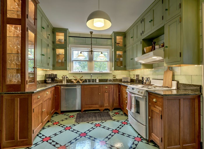 Kitchen Painting-Wellington Kitchen & Bath Home Remodeling Solutions-We do kitchen & bath remodeling, home renovations, custom lighting, custom cabinet installation, cabinet refacing and refinishing, outdoor kitchens, commercial kitchen, countertops, and more
