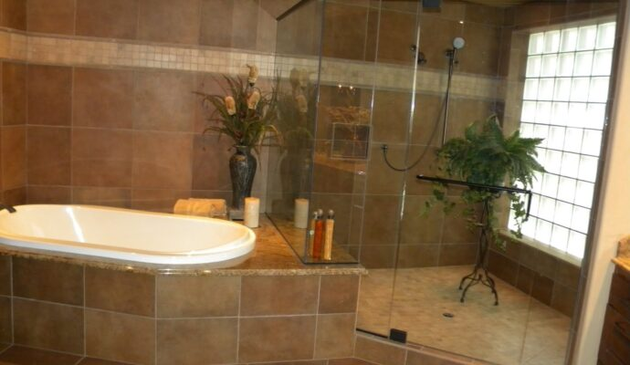 Tub and Shower Installation-Wellington Kitchen & Bath Home Remodeling Solutions-We do kitchen & bath remodeling, home renovations, custom lighting, custom cabinet installation, cabinet refacing and refinishing, outdoor kitchens, commercial kitchen, countertops, and more